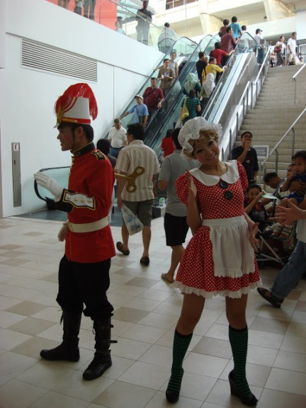 Toy Soldier and Toy Maid Routine