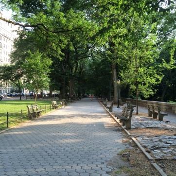The pedestrian path along Riverside Drive