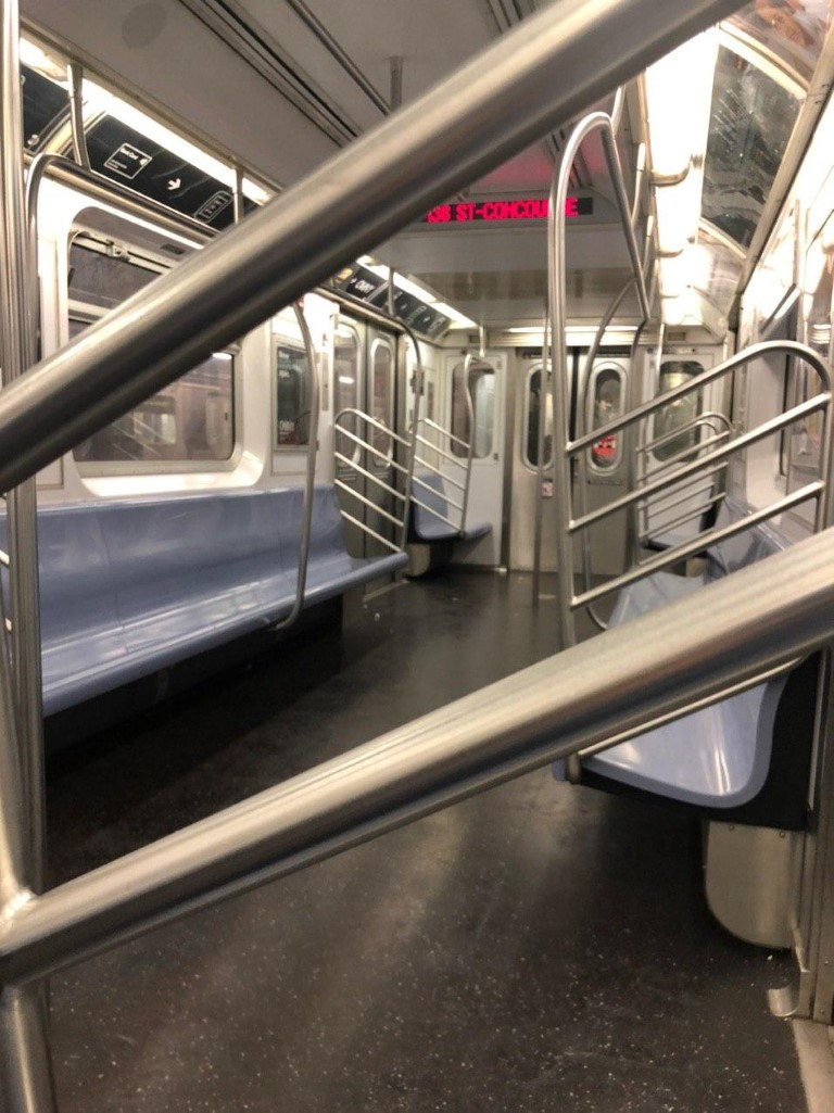 An empty 4 train today 3/21/2020