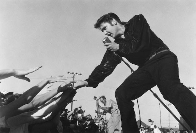 Elvis Presley in Tupelo, Mississippi October 26, 1956 © 1978 Roger Marshutz
